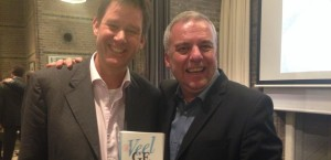 Huub met Leo Bormans, schrijver 'World Book of Happiness'